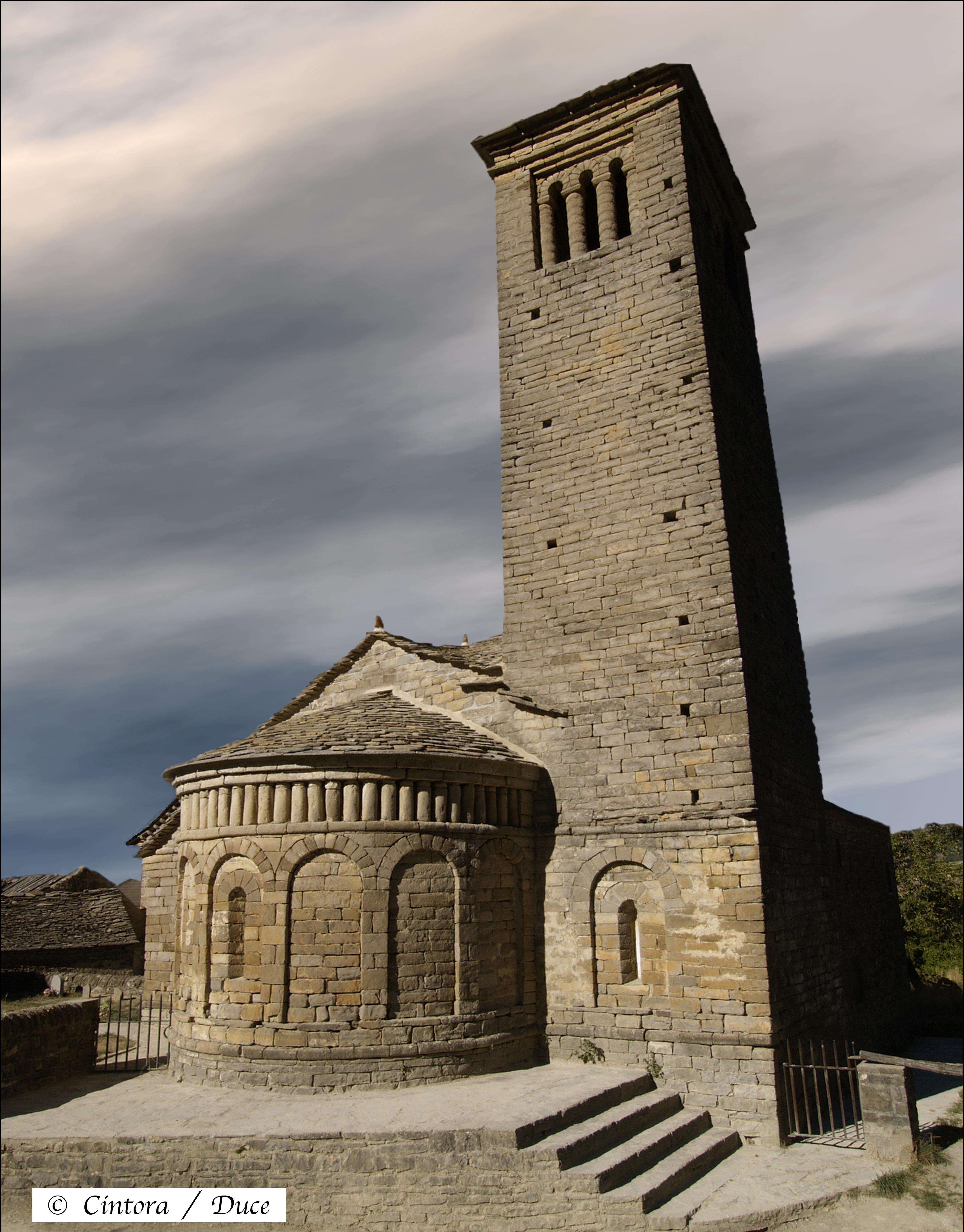 San Pedro de Lárrede, ábside y torre campanario